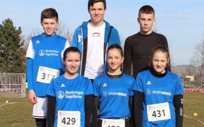 Antonia Pfiz und Hannes Kusterer sind Landesmeister im Crosslauf